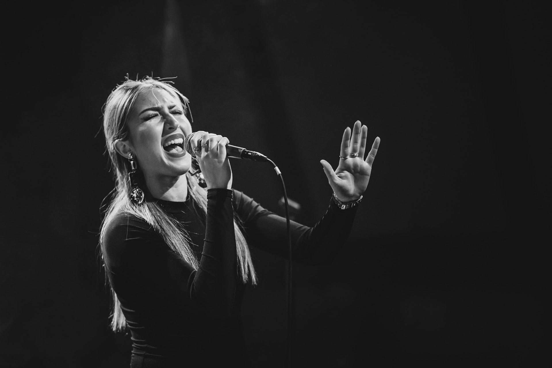 Maria Nicolaides, RnB/Pop-Sängerin